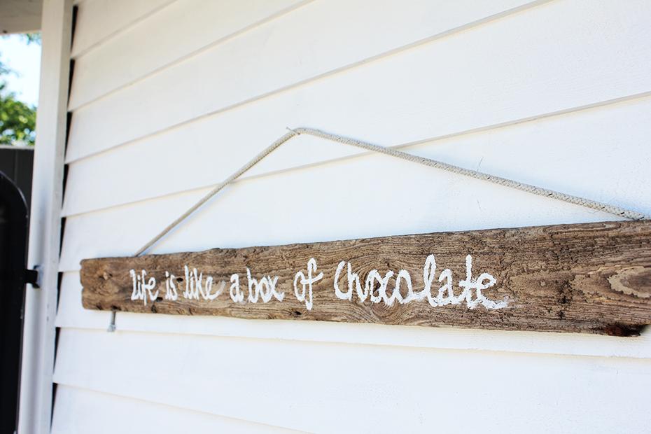 Drivvedstavla life is like a box of chocolate 1